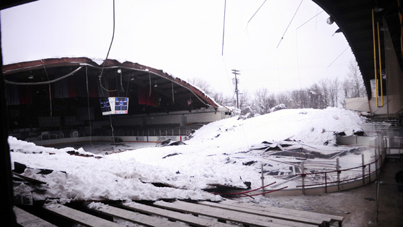 Rostraver pa ice skating rink collapse for Snow loads on roofs