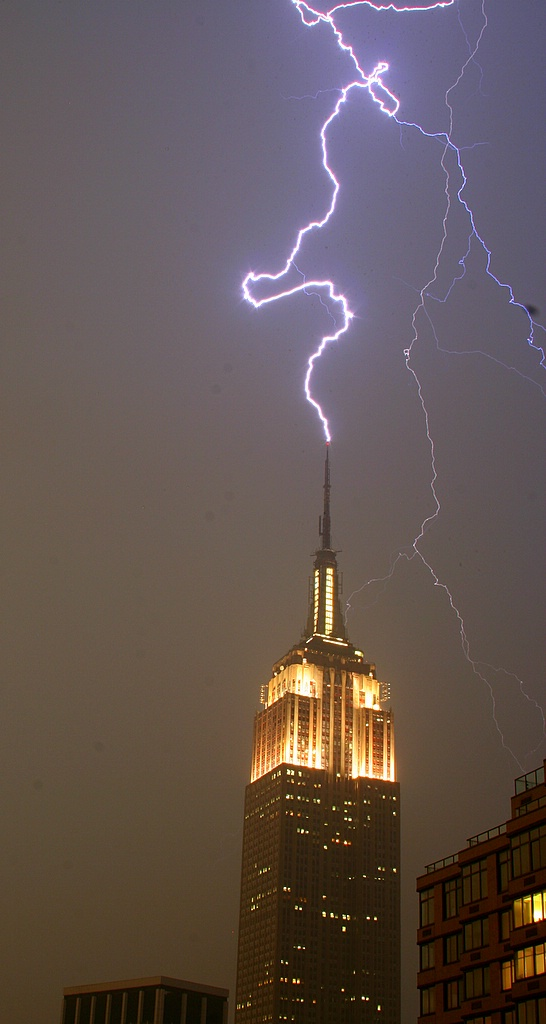 so how often does the empire state building get stuck by